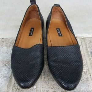 Paul Green Perforated Leather Flats US 8